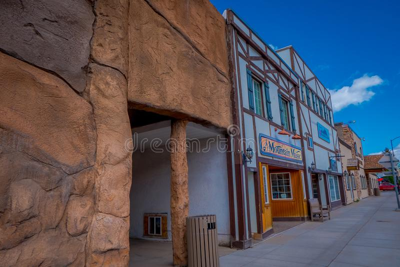 Afton, Wyoming, Vereinigte Staaten - 7. Juni 2018: Ansicht im Freien des Welt-` s larges elkhorn Bogens am Eingang von stockfotografie