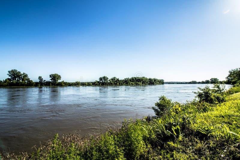 Aftonen på Missouri River parkerar arkivfoton