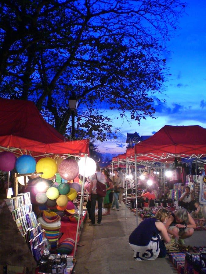Aftonmarknad i Luang Prabang, Laos royaltyfri fotografi