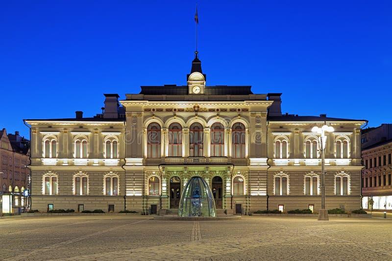 Aftonsikt av det Tammerfors stadshuset, Finland arkivfoto
