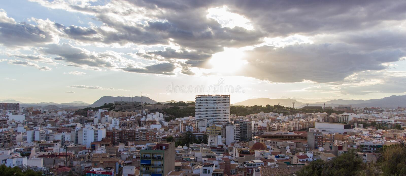 Aftonstad, Alicante Spanien arkivfoto