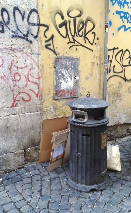 Afvalvuilnisbak Rome royalty-vrije stock fotografie