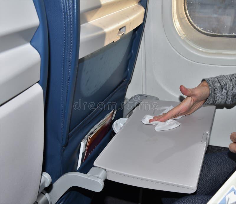 Afvegend vuil vliegtuigdienblad royalty-vrije stock foto