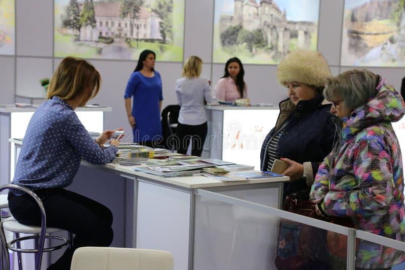 Agências do turismo na feira nacional do turismo de Romênia fotos de stock royalty free