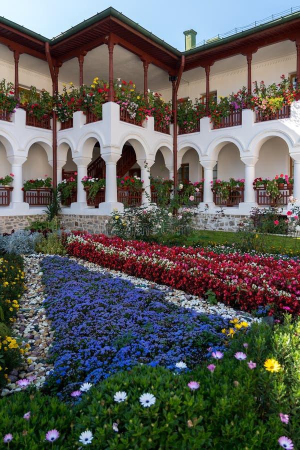 AGAPIA, MOLDOVIA/ROMANIA - 9月19日:Agapia Monas庭院  免版税图库摄影