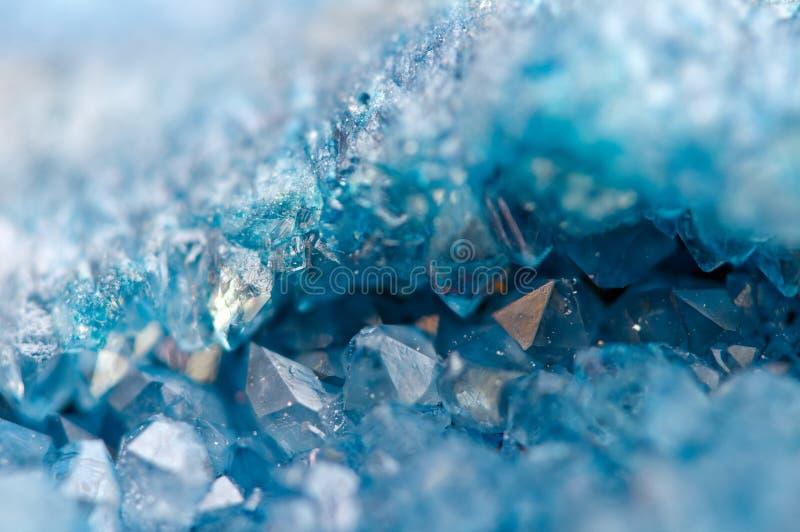 Agata blu SiO2 dei cristalli Macro fotografia stock
