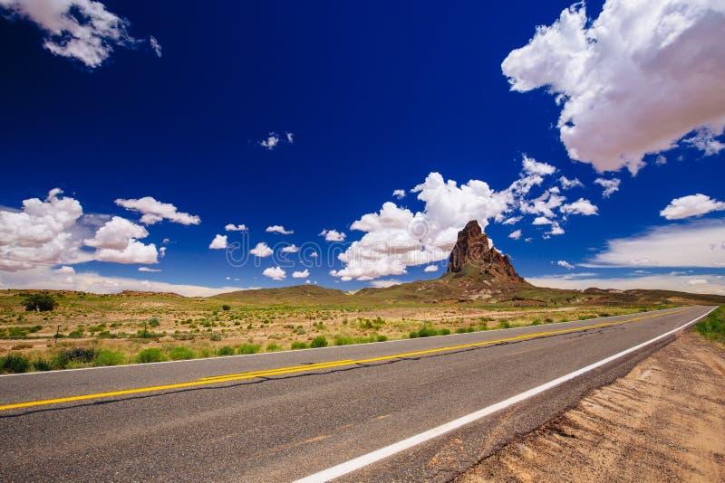 Agathla-Spitze, Landstraße 163, Arizona, USA lizenzfreies stockfoto