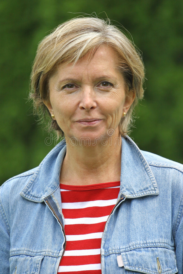 aged middle woman στοκ φωτογραφία με δικαίωμα ελεύθερης χρήσης