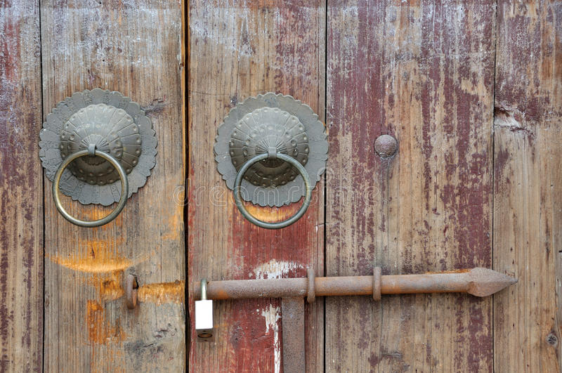 Download Aged Wooden Door Of Chinese Traditional Style Stock Photo - Image: 24194744