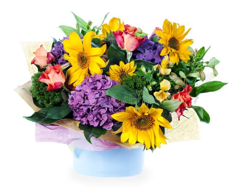 Agencement floral des roses, lis, iris photographie stock libre de droits
