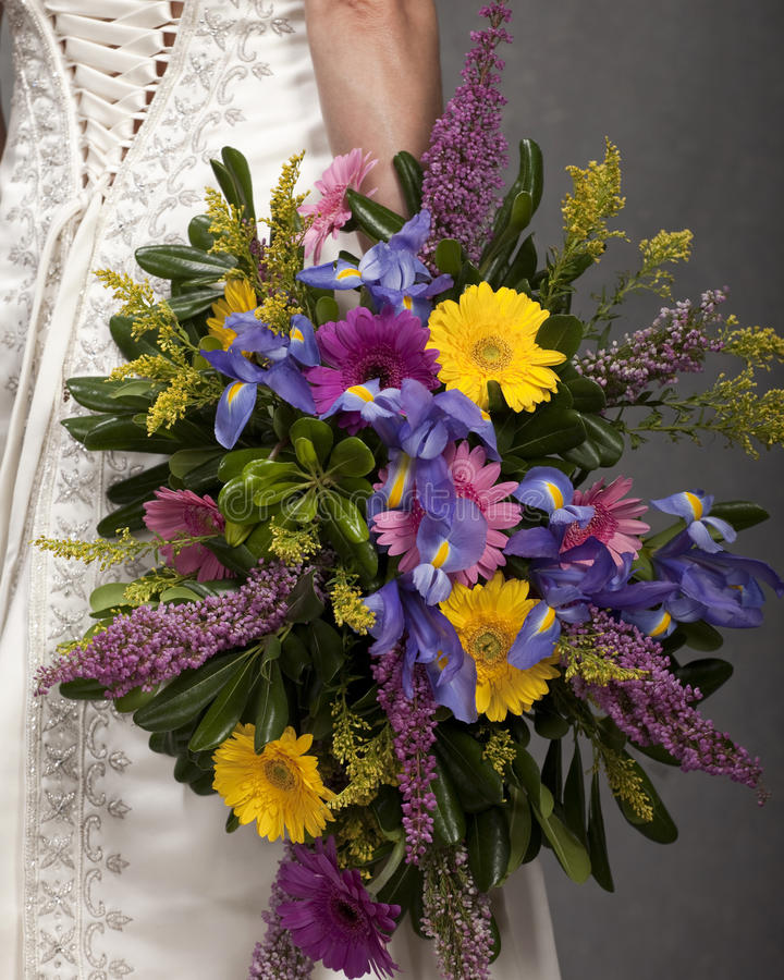 Agencement floral exagéré image libre de droits