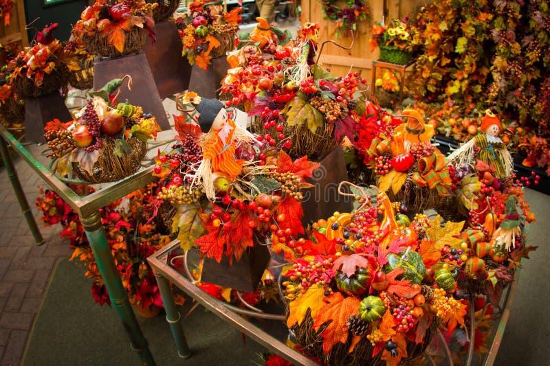 Agencements floraux d'automne image libre de droits