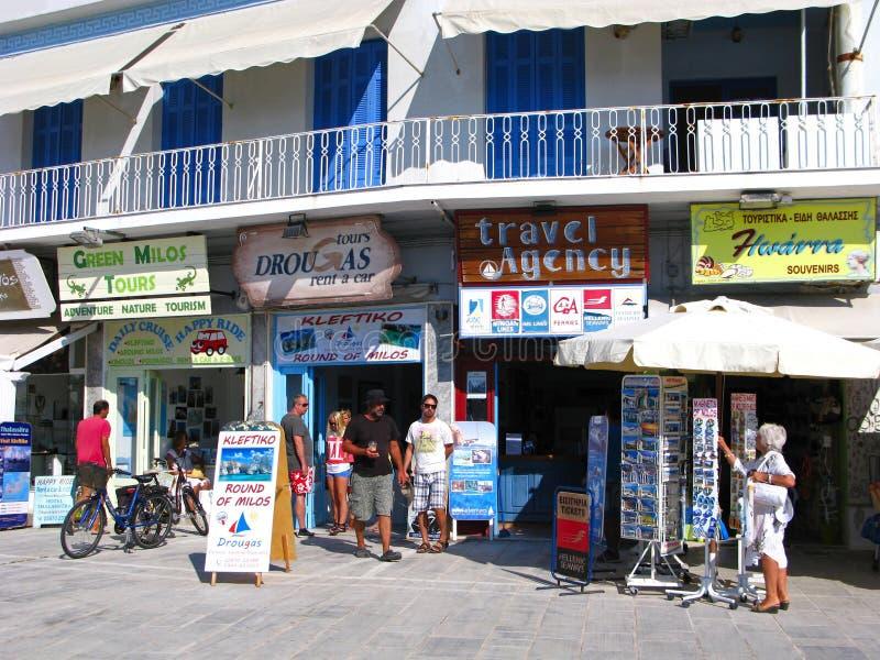 Agencias de viajes en la isla de los Milos, opción variada imagen de archivo