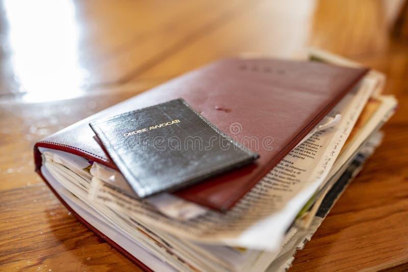 Agenda grossa de um advogado internacional ou de uma empresa legal foto de stock royalty free