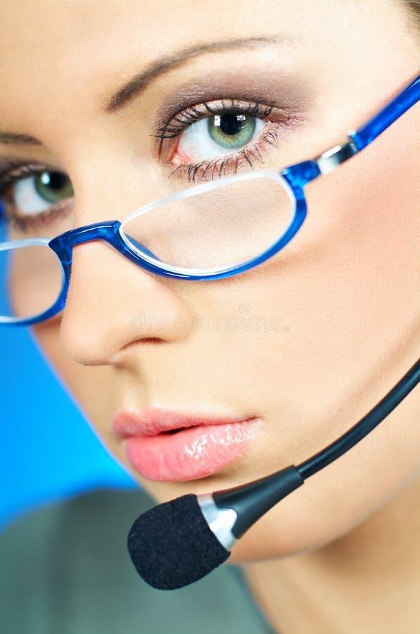 Agent de centre d'attention téléphonique photo stock