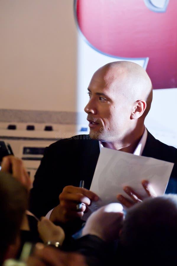 Agente Dwayne (la roca) Johnson en Moscú