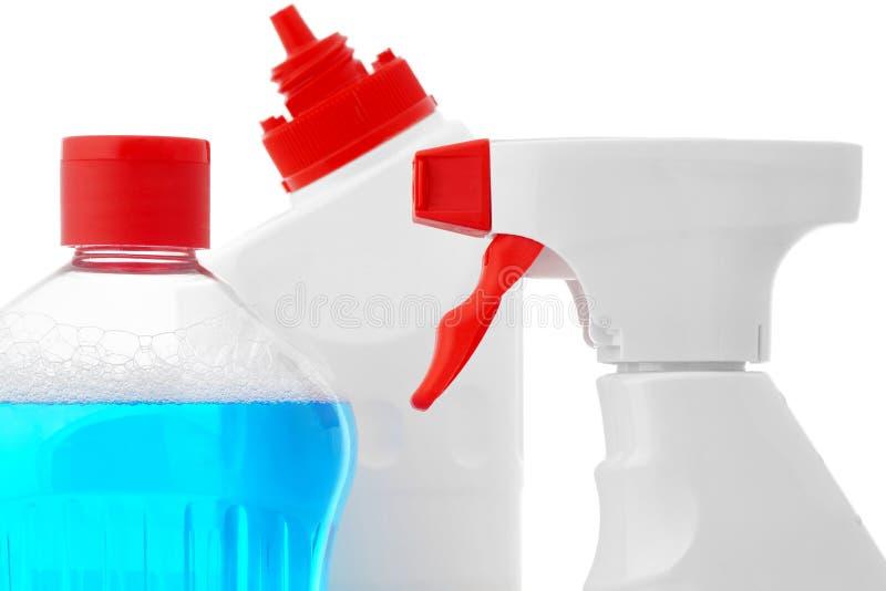 Agentes de limpeza em umas garrafas plásticas fotos de stock royalty free