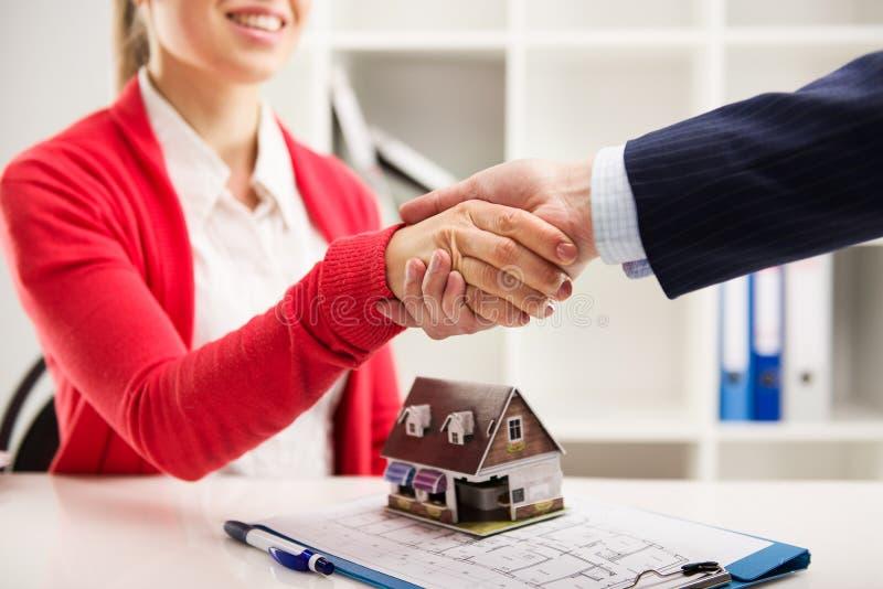 Agenzia immobiliare immagini stock