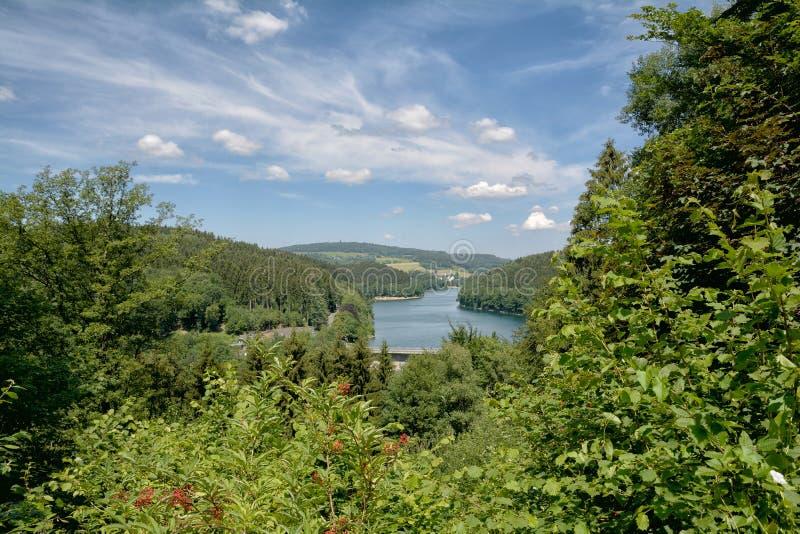 Aggerreservoir, Bergisches-Land, Duitsland stock afbeeldingen