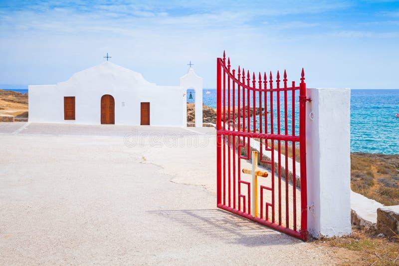 Aggi Nikolaos Apra il portone della chiesa ortodossa fotografia stock