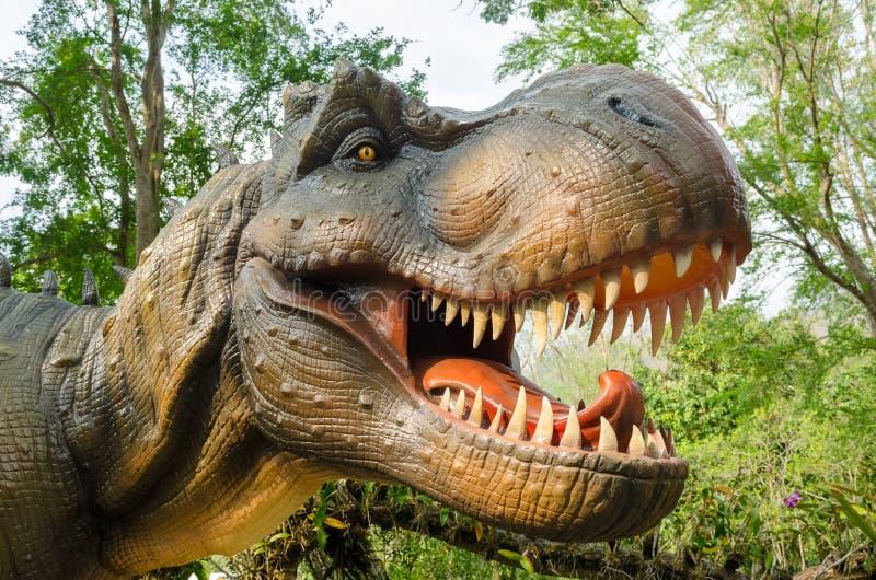 Aggressiv T Rex royaltyfri fotografi