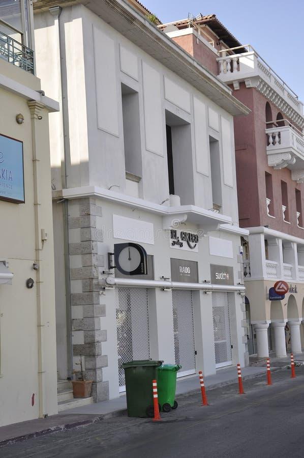 Agios Nikolaos, 31 augustus: Historisch Huis van schilderachtig Agios Nikolaos op het eiland van Kreta stock foto's