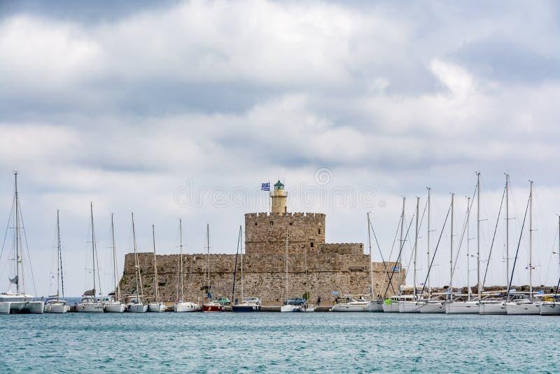 Agios Nikolaos Fortress Rhodes gammal stad, Grekland arkivbilder