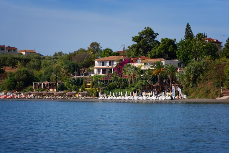 "Agios Sostis, †da ilha de Zakynthos, Grécia ""24 de setembro de 2017: Vista do mar à praia de Agios Sostis imagens de stock royalty free"