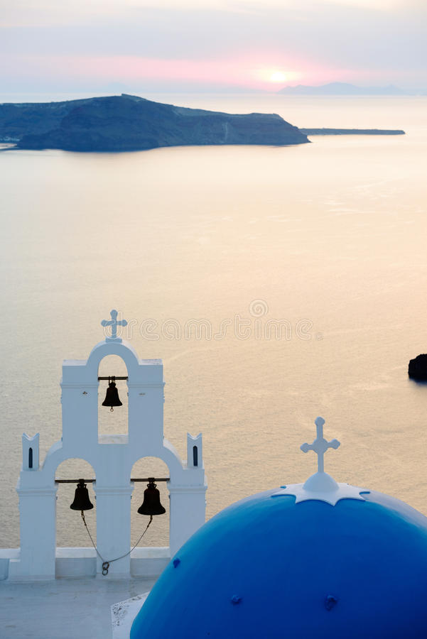 Agios Theodori-Kirche Haube und belltower bei Sonnenuntergang lizenzfreies stockbild