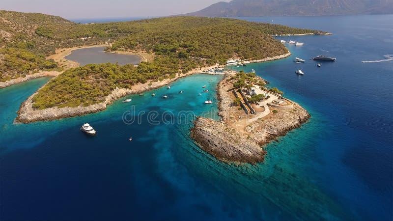 Agistri海岛, Aponisos空中寄生虫照片  免版税库存照片