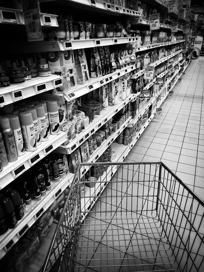 Agitação da compra do Natal Olhar artístico em preto e branco fotografia de stock