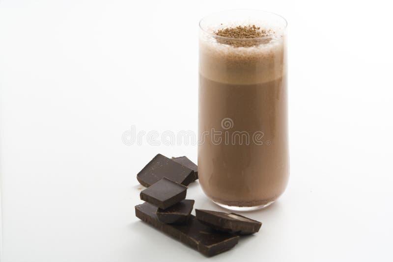 Agitação de chocolate de refrescamento com chocolate Birutes imagem de stock royalty free