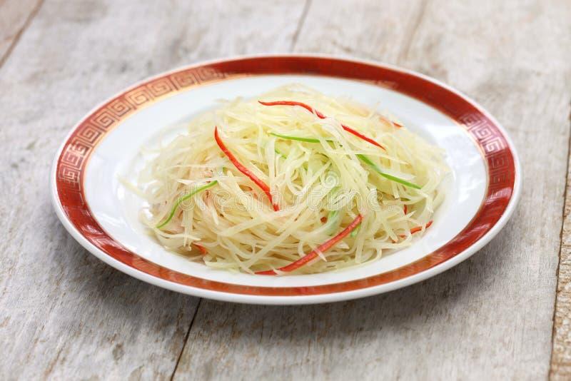 A agitação fritou batatas shredded, culinária chinesa fotos de stock