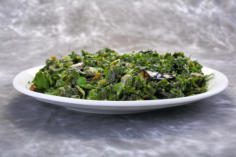 Agitación Fried Water Spinach, vietnamita de la comida imagenes de archivo