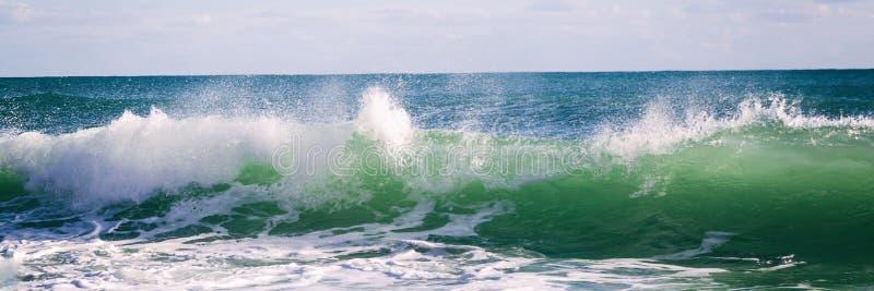 Agite en el océano, bandera, cierre de la onda del mar encima de la fotografía Phot macro foto de archivo