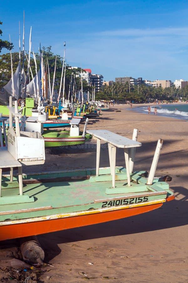 Żaglówki na plaży fotografia stock
