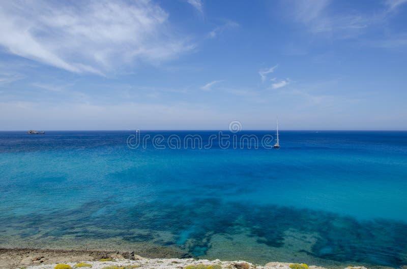 ?agl?wka cumuj?ca w spokoju krysztale i - jasne wody Majorca, Balearic wyspy, Hiszpania europejczycy obrazy royalty free