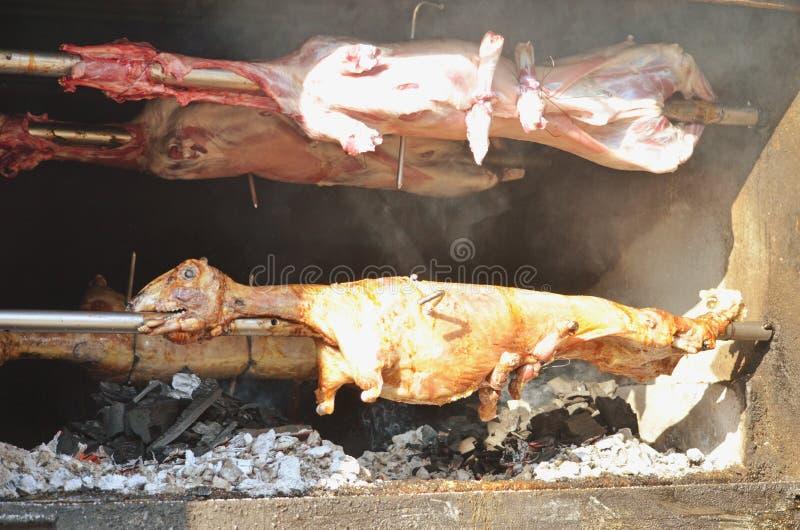 Agneau grillé Agneau rôti photos stock