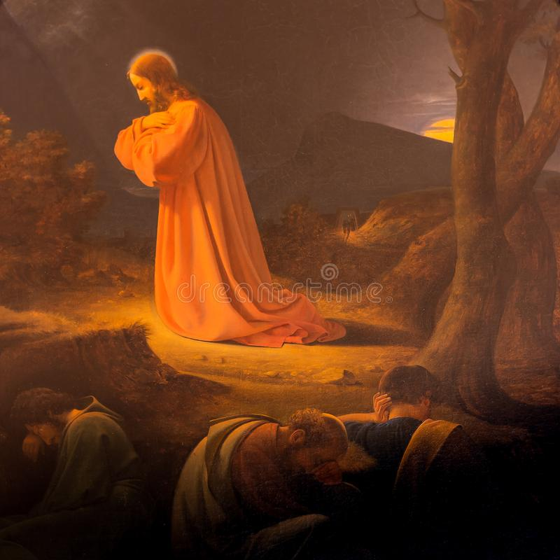 Agonia no jardim, em Jesus e em três discípulo no jardim de Gethsemane imagens de stock royalty free