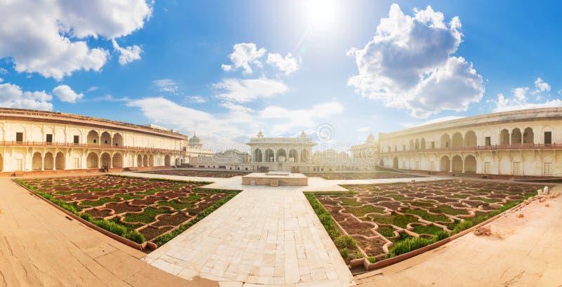 Agra Fort, Anguri Bagh panorama ogrodowa, Indie fotografia royalty free