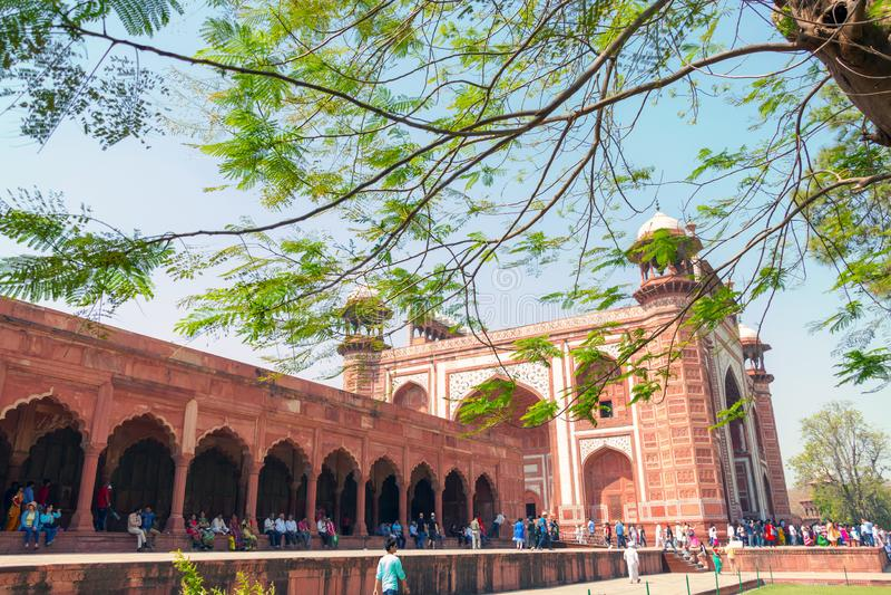 Agra fort: ett historiskt fort i staden av Agra i Indien royaltyfri fotografi