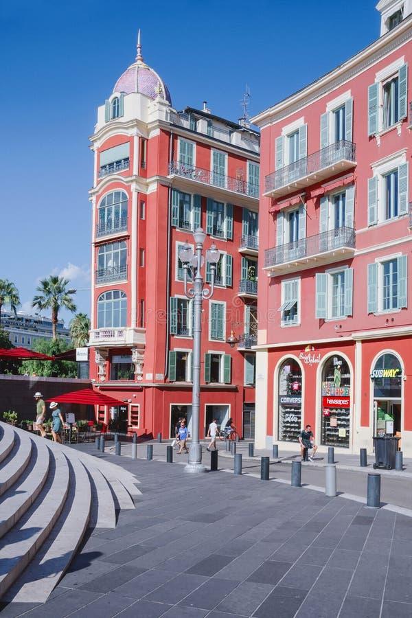 Agradável, Provance, Alpes, Cote d'Azur, francês, o 15 de agosto de 2018; Construção de Massena na cidade agradável Lugar mundial foto de stock royalty free