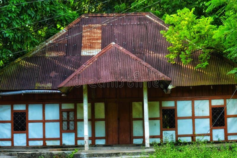 Agradável uma casa velha imagens de stock royalty free