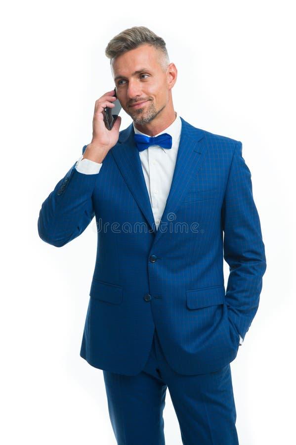 Agrad?vel para ouvir-se Telefonema do negócio do controle do empresário Pedir o aux?lio Delegação do smartphone da chamada do hom foto de stock