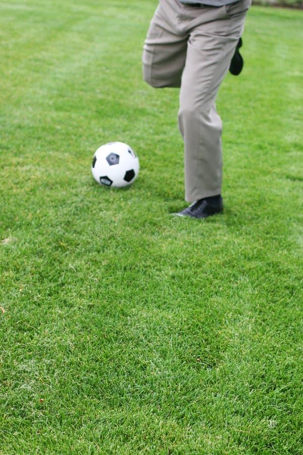 Download Agressionaffär fotografering för bildbyråer. Bild av fotboll - 275117