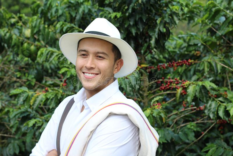 Agricoltore del caffè nei campi fotografie stock libere da diritti