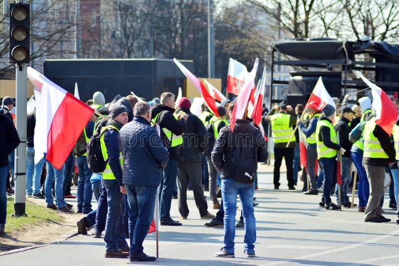 Agricoltori della dimostrazione organizzata unione di Agrounia ad Artur Zawisza Square nel centro di Varsavia fotografia stock libera da diritti
