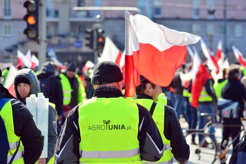 Agricoltori della dimostrazione organizzata unione di Agrounia ad Artur Zawisza Square nel centro di Varsavia immagine stock
