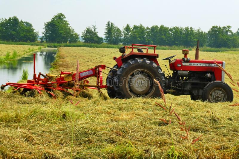 Agricultural Machinery, Tractor, Field, Agriculture Free Public Domain Cc0 Image