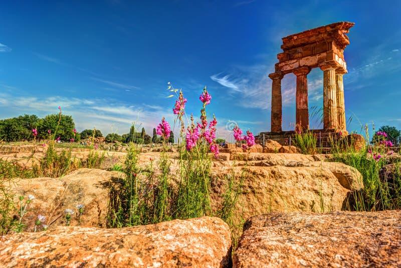 Agrigento Sicilien castorpollux tempel fotografering för bildbyråer